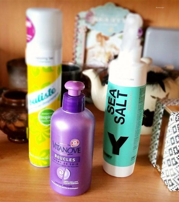 Avec quels types de produits je coiffe mes cheveux…
