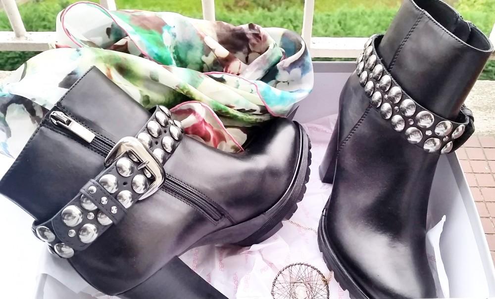 Mes bottines Peperosa et des clous partout
