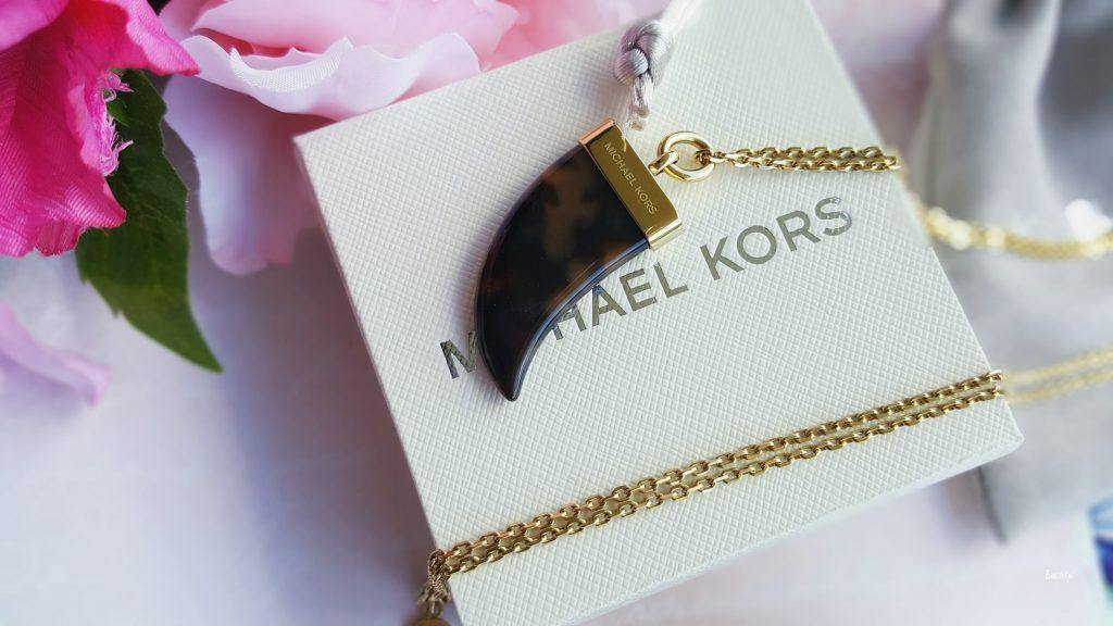collier Mickael Kors