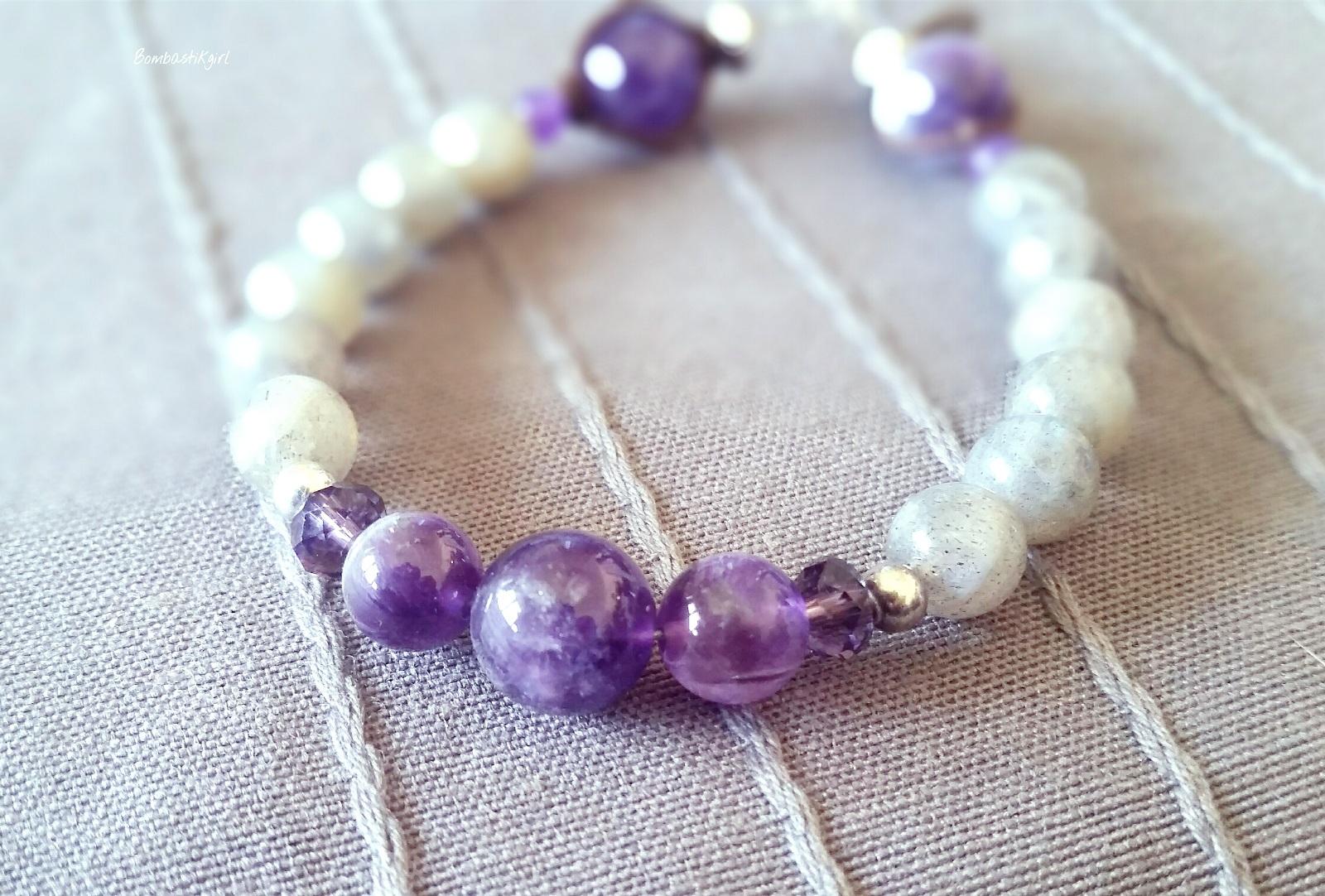 Jawery et ses bracelets en pierres naturelles créés à votre image