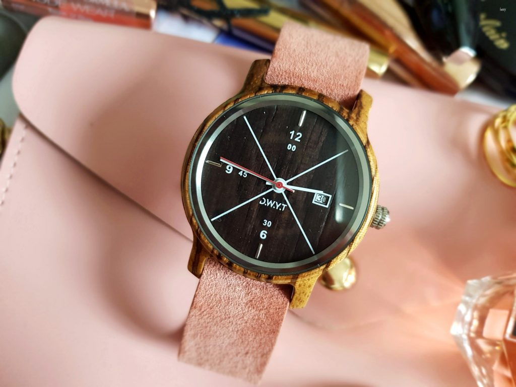 La montre en bois tendance de DWYT