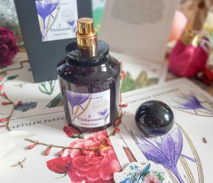Découverte de Violaceum de L'Artisan Parfumeur X Deyrolle