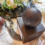 La Boule d'Ambre Mûre et Musc L'Artisan Parfumeur, plaisir visuel et olfactif