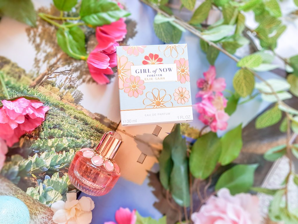 porter une eau de parfum : Girl of Now Elie Saab