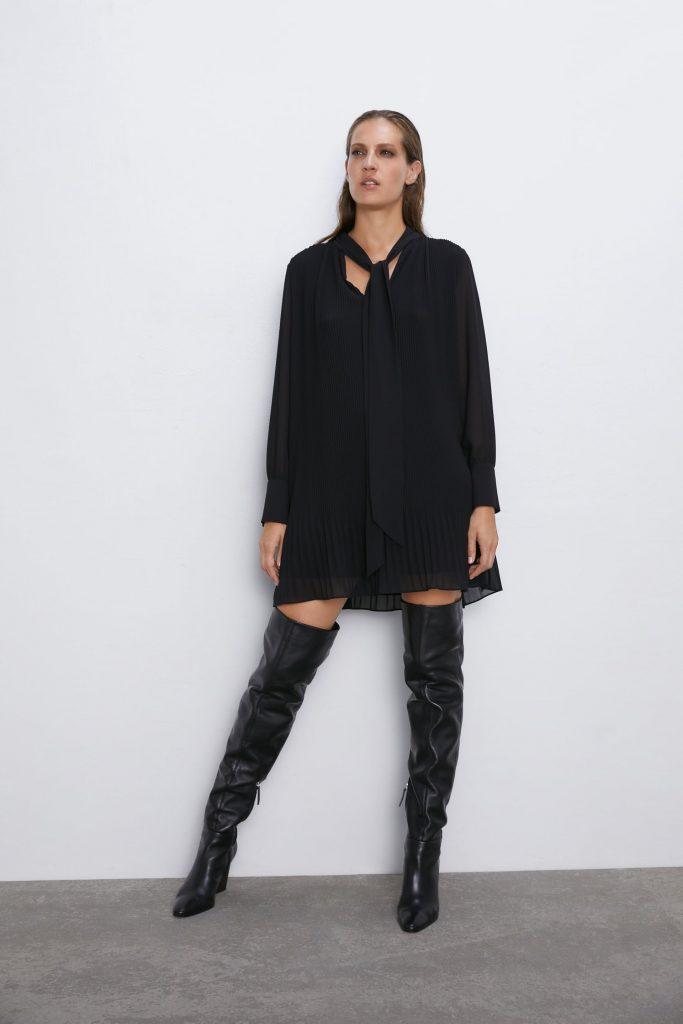 robe courte fluide et plissée Zara