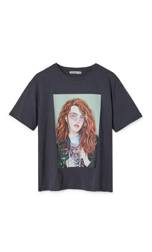 tee shirt imprimé avec détails bijoux