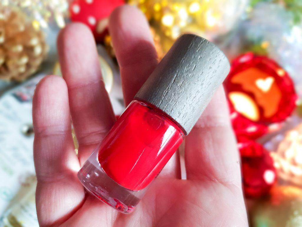 box beauté bio Belle au naturel décembre 2019 : vernis rouge intense Boho Cosmetics