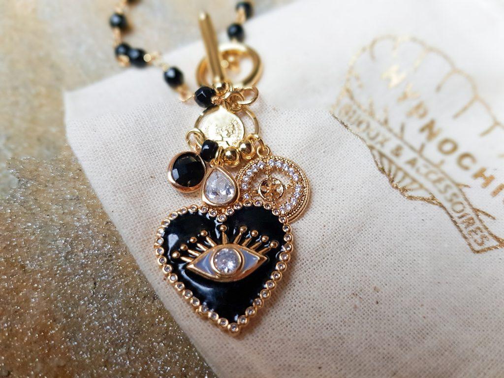 L'esprit hippie chic des bijoux Hypnochic : collier coeur émail et strass
