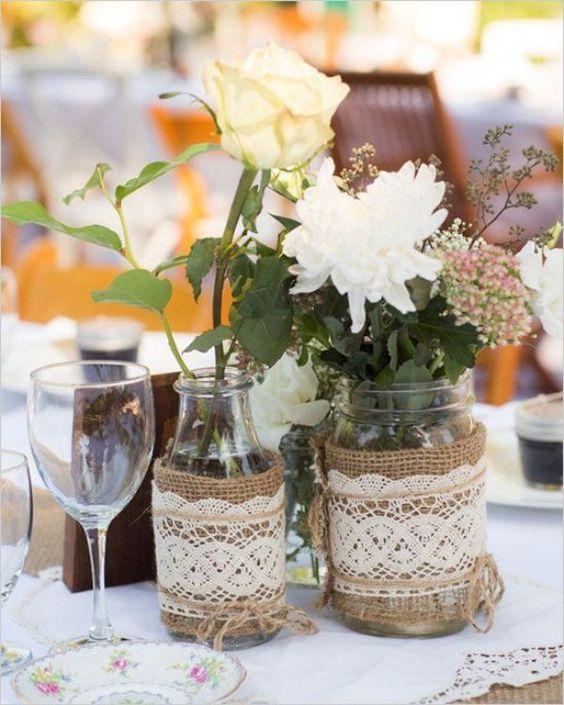 recyclage de pots en verre pour décoration table de mariage