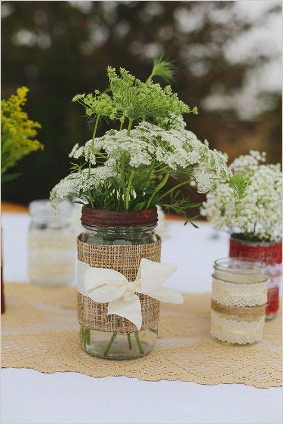 recycler des vieux bocaux pour décoration table mariage