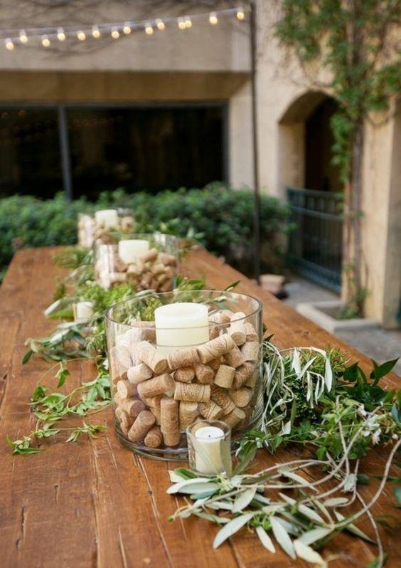 des idées pour décorer votre table de mariage en recyclant les bouchons en liège