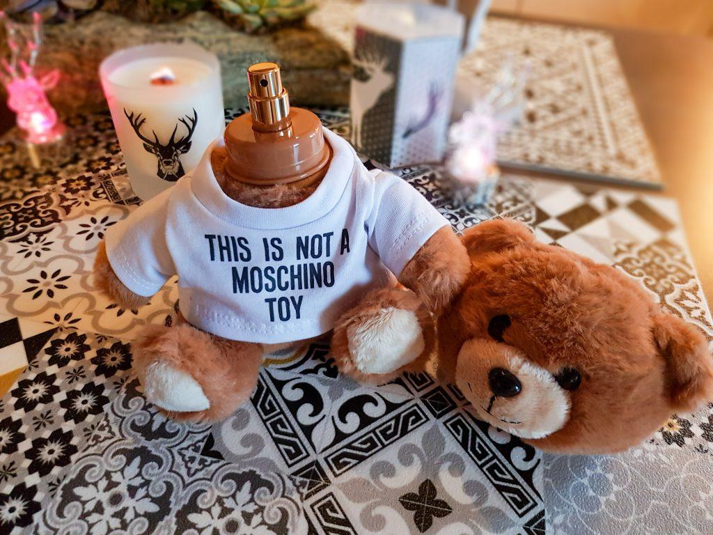 idées cadeaux Saint-Valentin pour homme : eau de toilette Moschino Toy