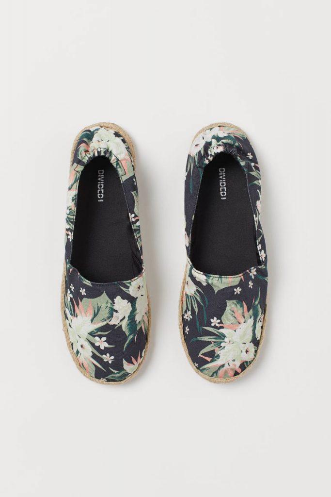 idées de tenues confortables et esthétiques pour rester à la maison : espadrilles H&M
