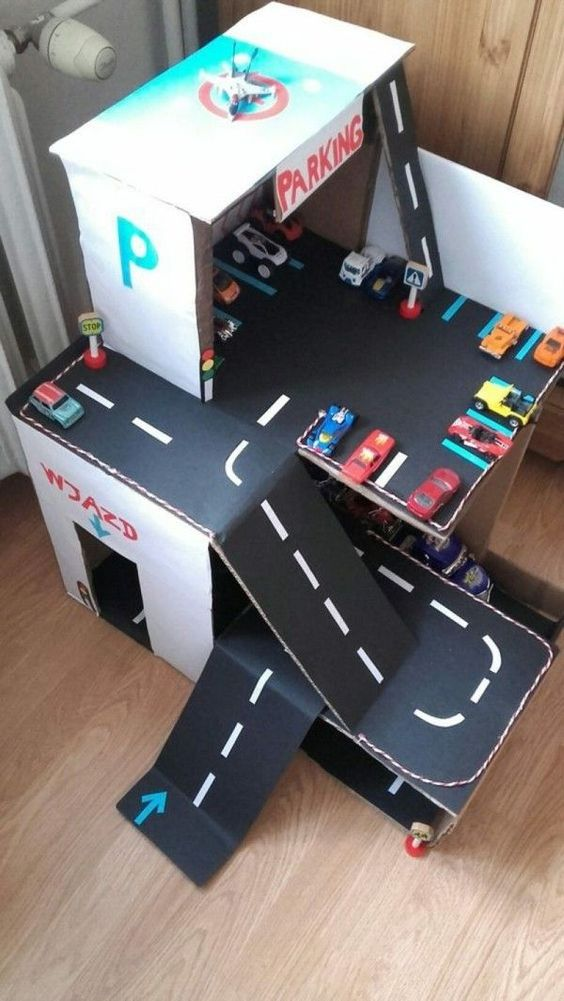 garage pour enfants en carton
