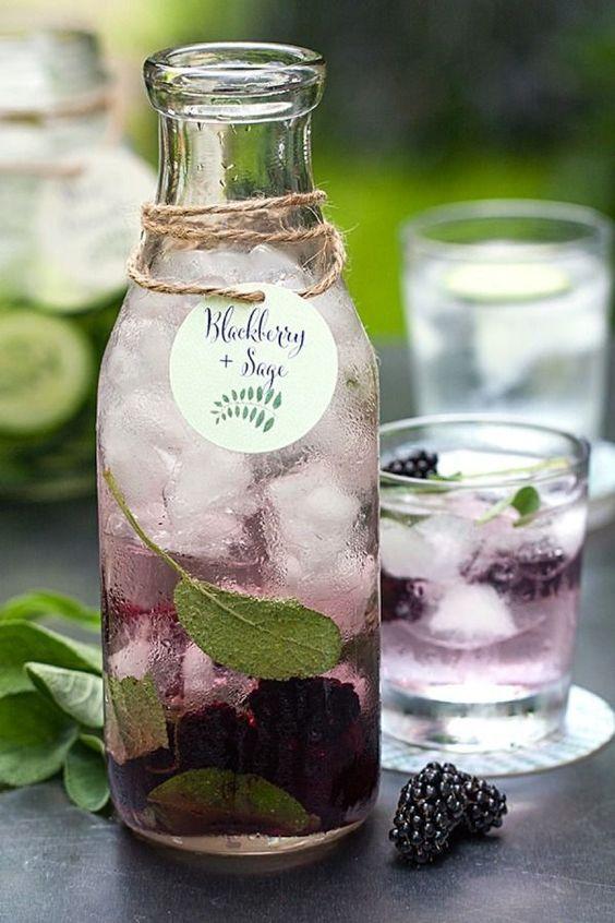 eau aromatisée mûre et sauge