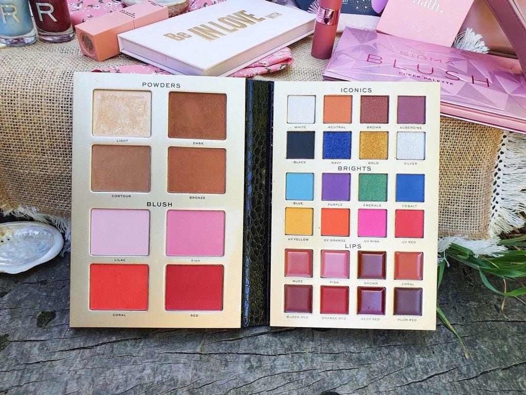 sélection maquillage de princesse : palette Ultimate Artist's Palette Revolution Pro