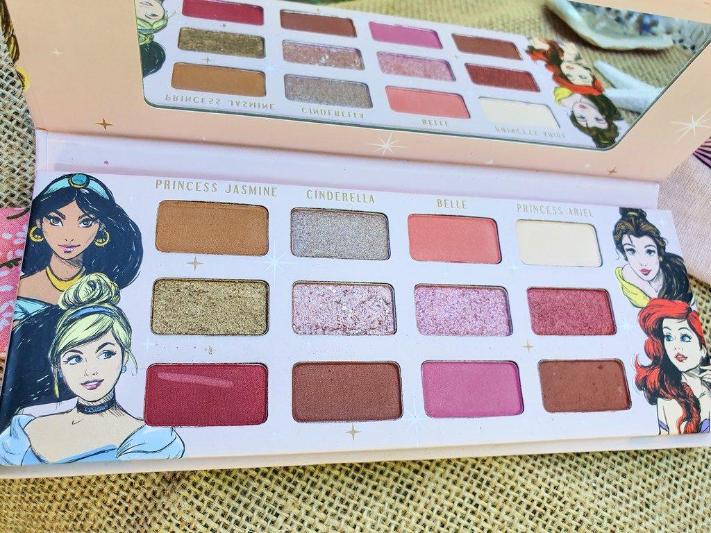 sélection maquillage de princesse : palette daytime Disney Mad Beauty
