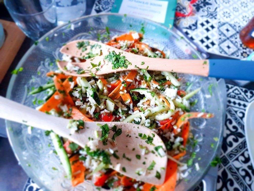 salade asiatique à l'huile de sésame et aux cacahuètes