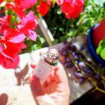 Une merveille de technologie : le micro-sérum de rose yeux Dior Prestige