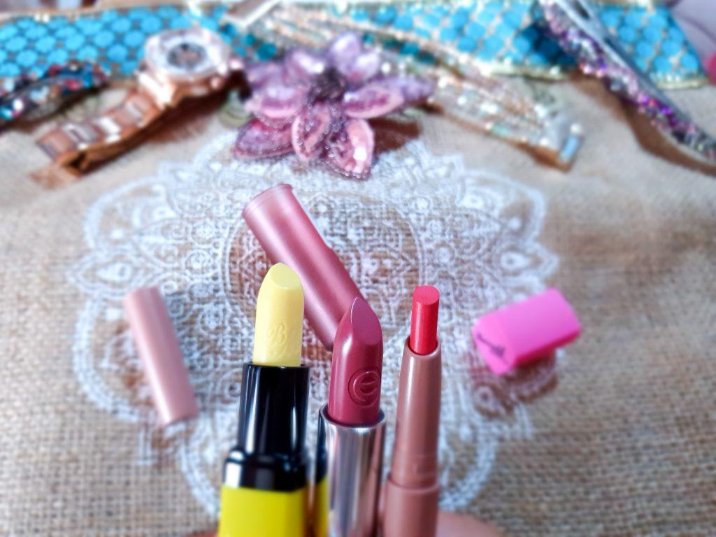 rouges à lèvres idéaux sur teint bronzé