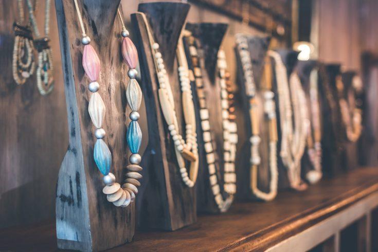 Arrondir ses fins de mois en vendant des bijoux fantaisies sur Internet