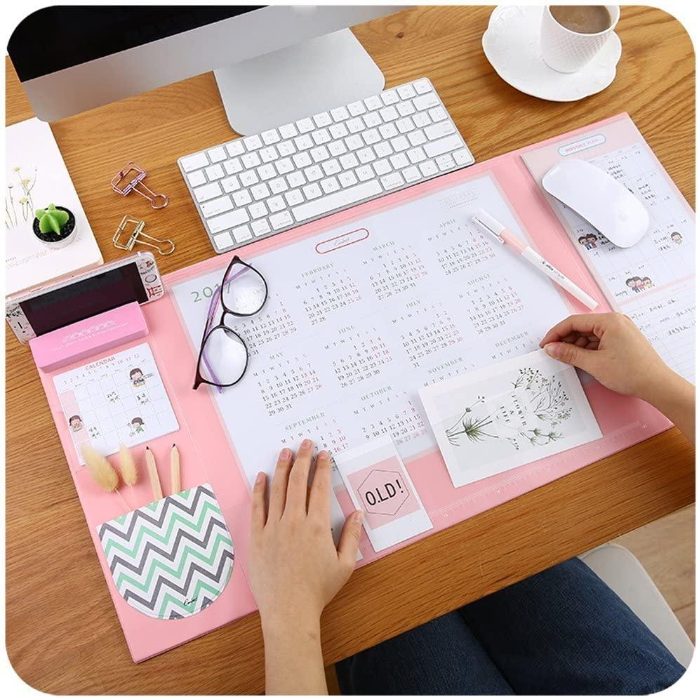 sélection d'accessoires fun pour un bureau organisé