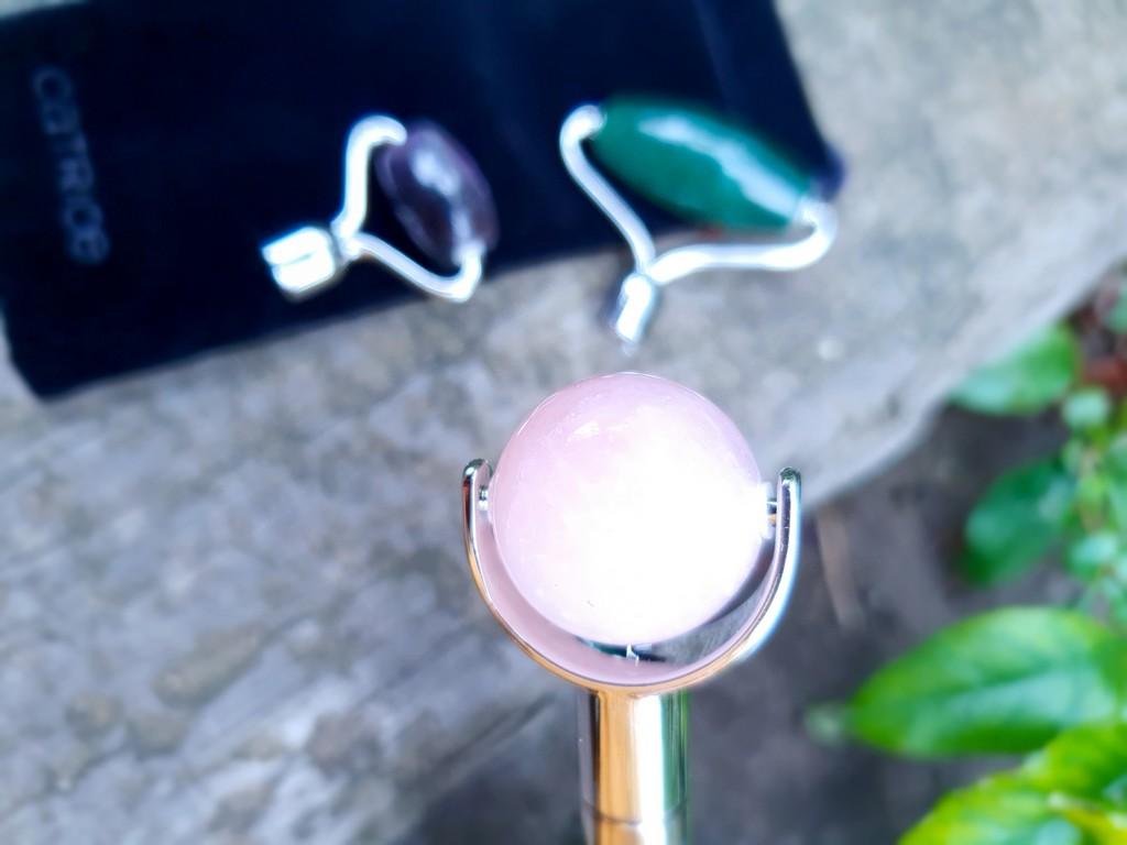 rouleau de massage quartz rose Catrice