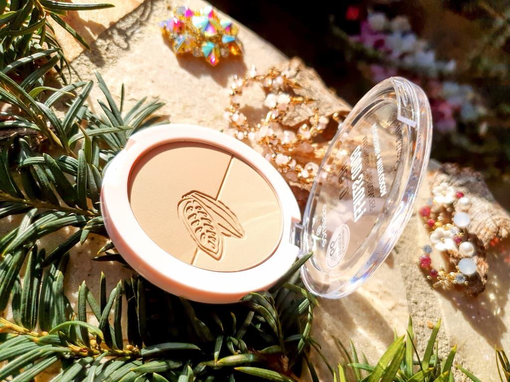 sélection de produits de maquillage de printemps