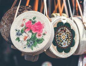 La façon de porter son sac, un révélateur de personnalité