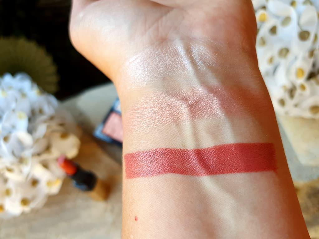 swatches maquillage Bobbi Brown