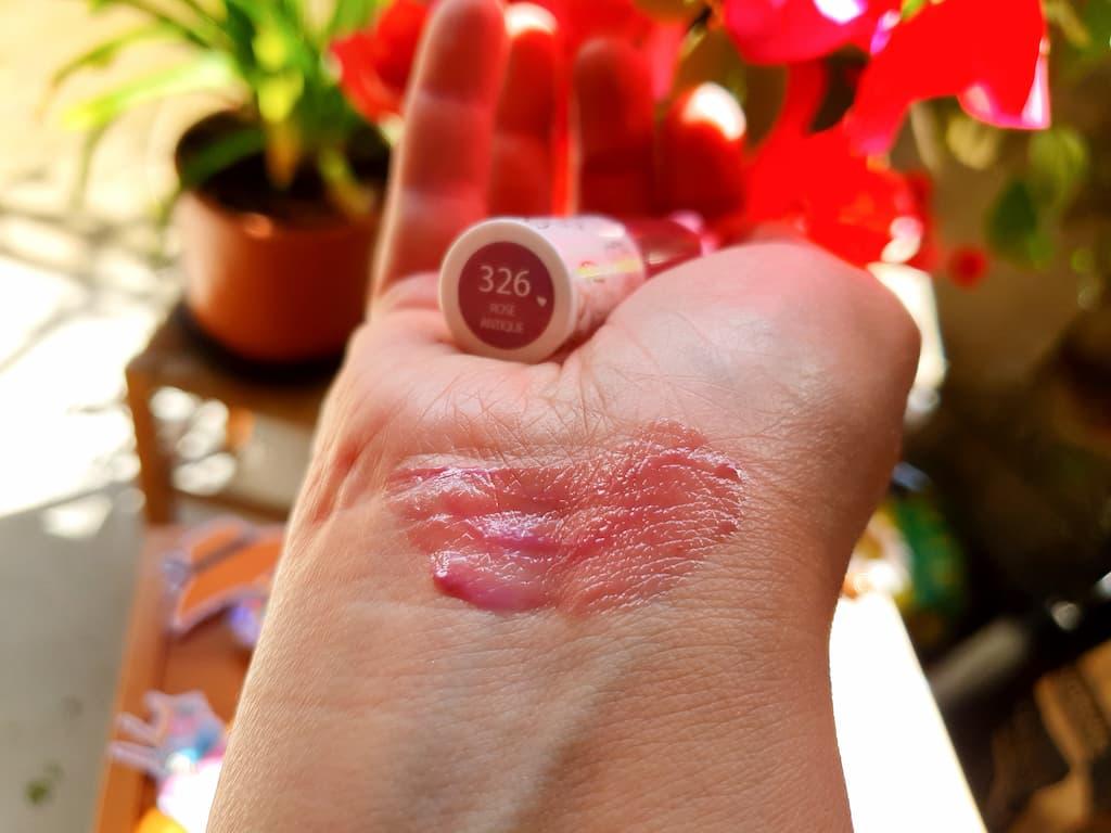 swatch huile précieuse lèvres Miss Den