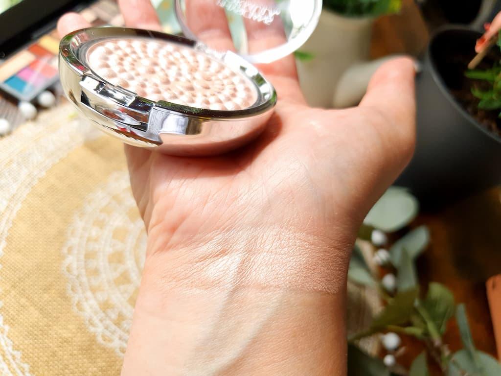 sélection pour trousse de maquillage de mariée réussie
