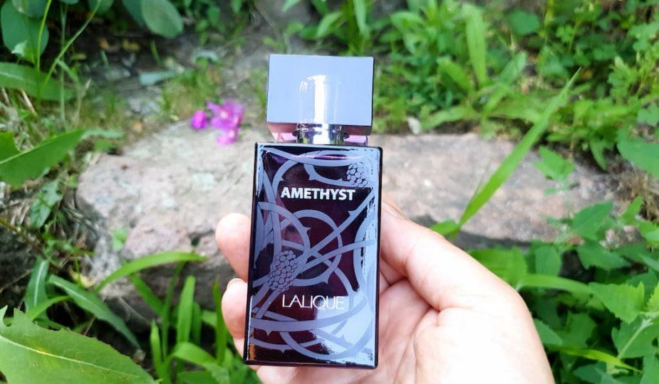 élégant parfum aux notes de fruits rouges Amethyst Lalique