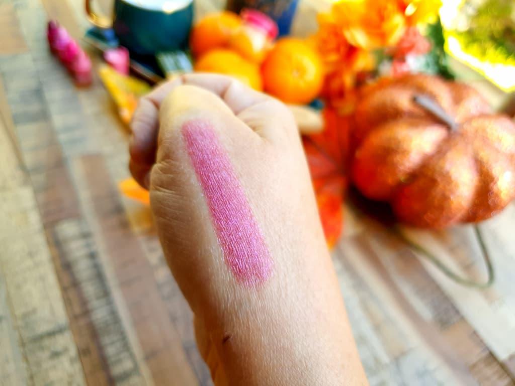 swatch rouge à lèvres Essence