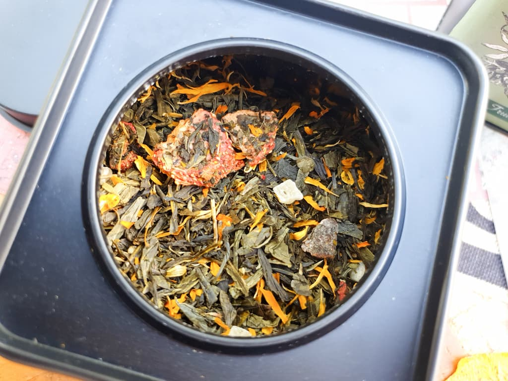 thé vert parfumé fraise pêche
